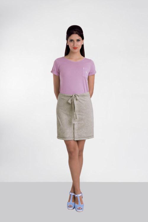T-shirt manches courtes lilas en coton Pima biologique carte as de coeur argenté brodé sur poche vue de face collection été Bombón de algodón