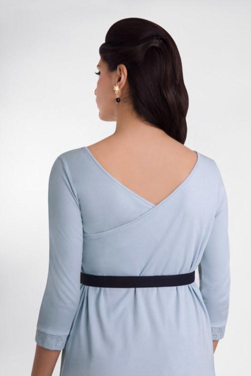T-shirt manches 3/4 bleu ciel en coton Pima biologique décolleté v croisé au dos vue de dos collection été Bombón de algodón