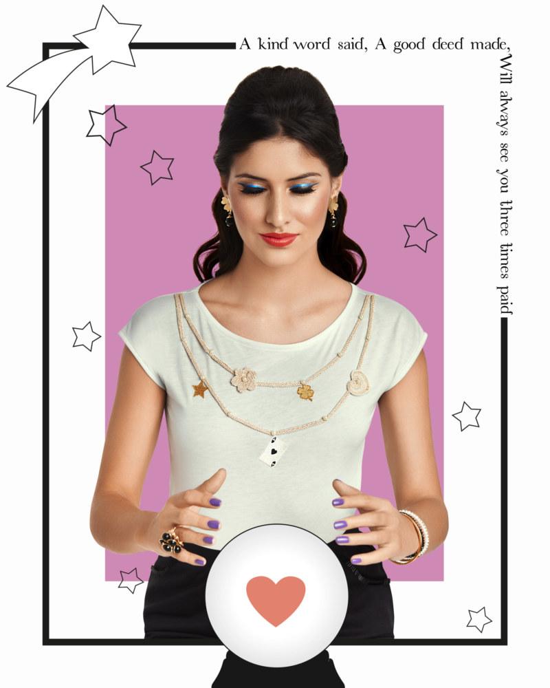 T-shirt manches courtes en coton Fiorella couleur menthe collier avec perles brodées main motifs au crochet vue de face collection été Bombón de algodón