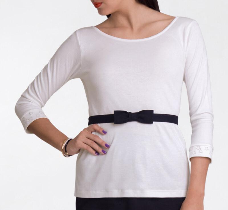 T-shirt manches 3/4 blanc cassé en coton Pima biologique décolleté v au dos ceinture noire amovible vue de face collection été Bombón de algodón