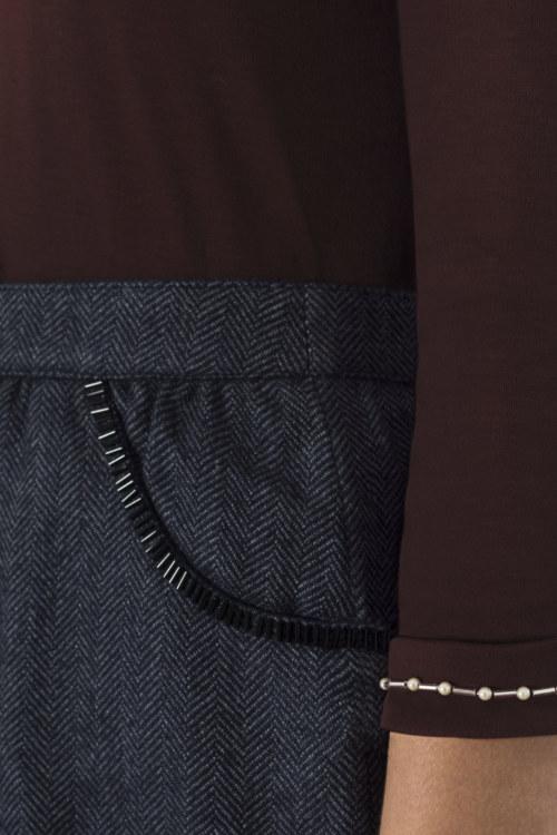 T-shirt manches 3/4 en coton Galilea couleur brun-rouge broderie fait main sur manches vue de face collection hiver Bombón de algodón