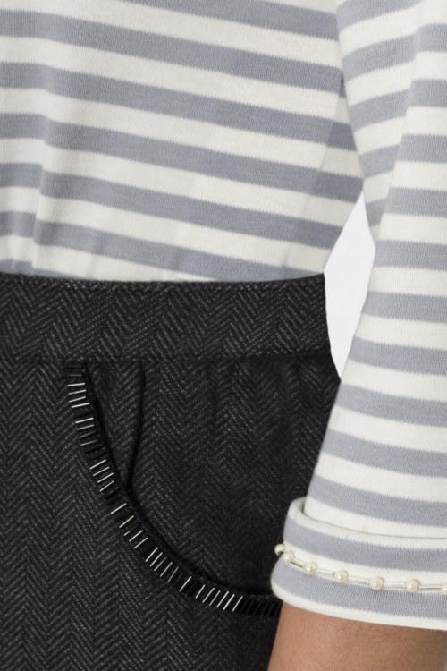 T-shirt manches 3/4 à rayures en coton Pima biologique broderie fait main sur manches vue de face collection hiver Bombón de algodón