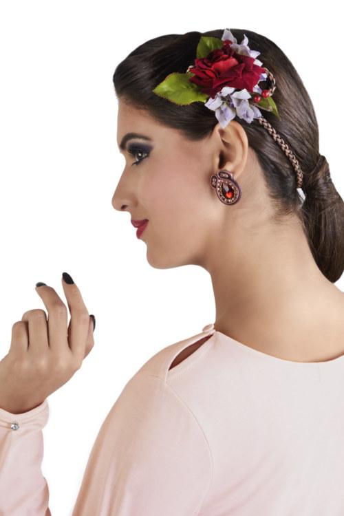 T-shirt manches longues rose clair en coton Pima biologique petit cristal transparent au niveau des poignets vue de côté collection hiver Bombón de algodón