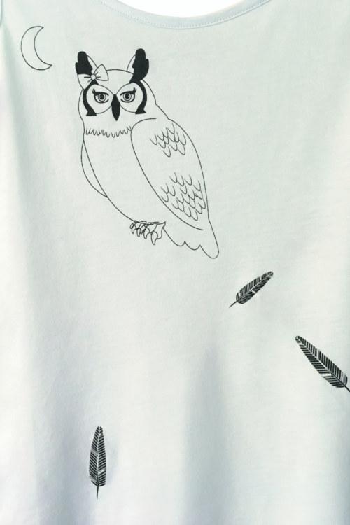 T-shirt menthe coton biologique manches courtes imprimé hibou et plumes vue de face collection été Bombón de algodón