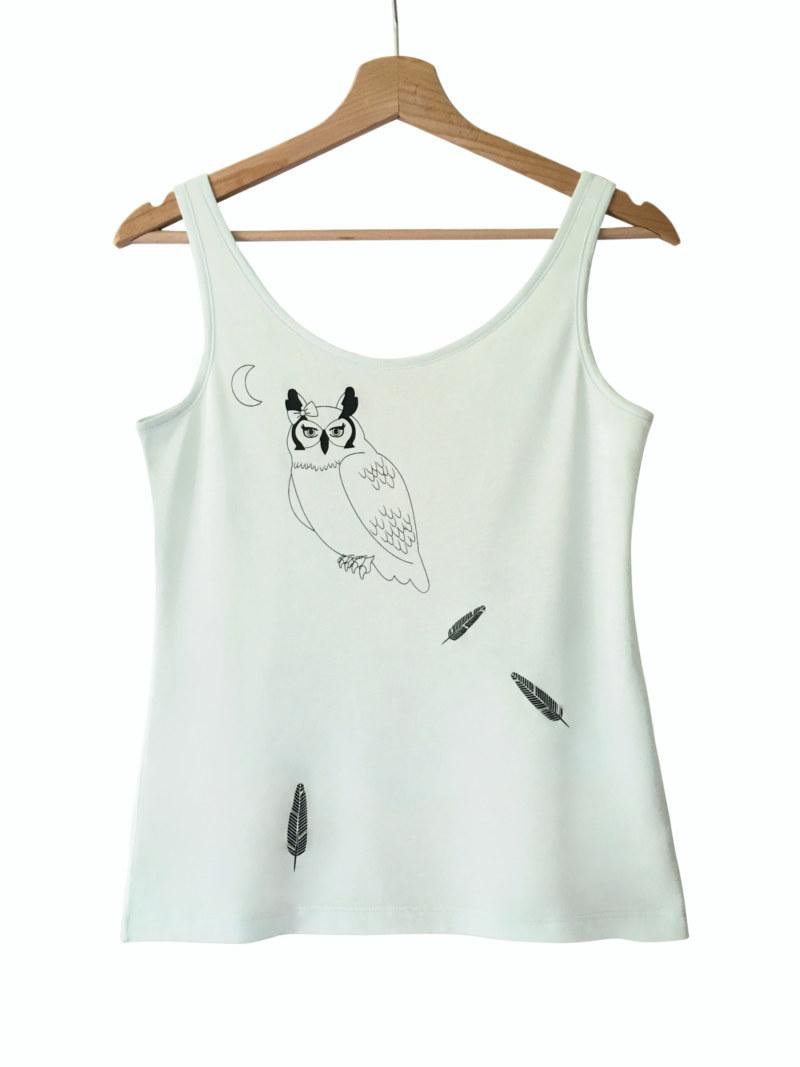 T-shirt sans manches menthe en coton Pima biologique imprimé hibou et plumes vue de face collection hiver Bombón de algodón