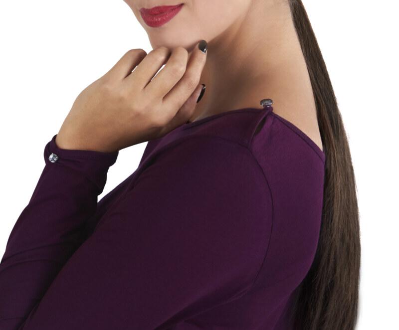 T-shirt manches longues aubergine en coton Pima biologique petit cristal transparent au niveau des poignets vue de côté collection hiver Bombón de algodón