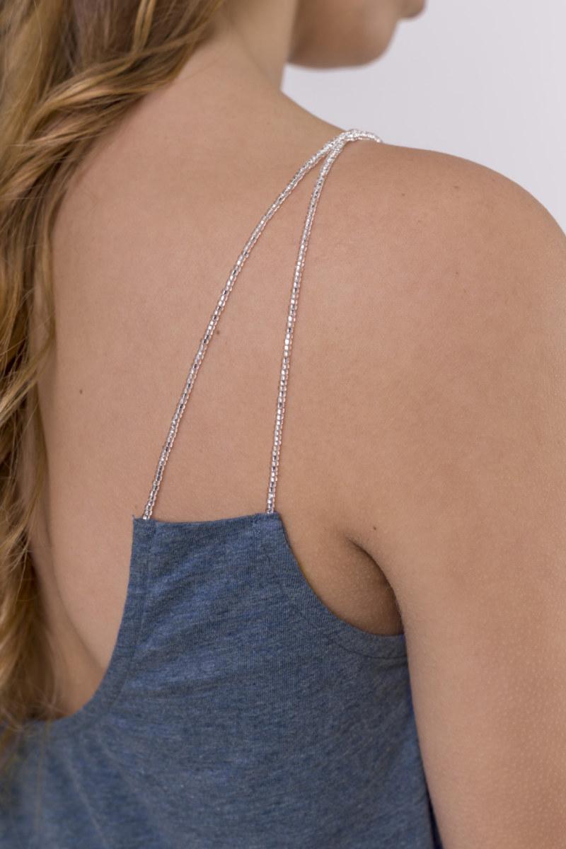 Haut à bretelles bleu chiné en coton Pima biologique bretelles avec petites perles transparentes décolleté au dos vue de dos collection été Bombón de algodón