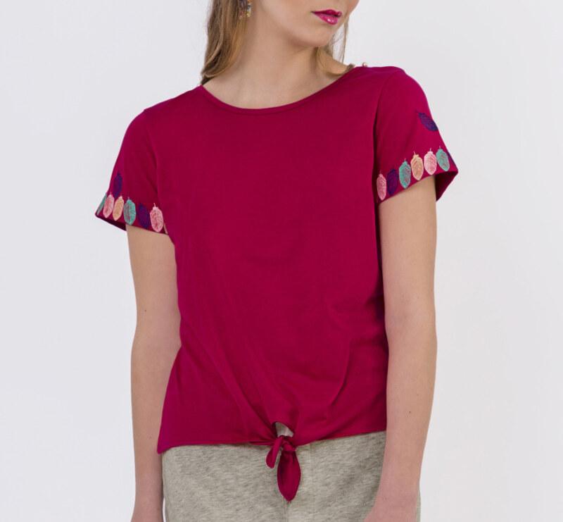 T-shirt fuchsia coton Pima biologique manches courtes petite ouverture sur les épaules refermé par une perle vue de face collection été Bombón de algodón