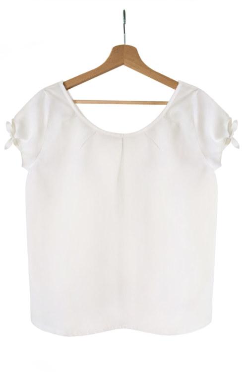 Chemisier manches courtes blanc en coton Pima biologique plis sur le devant vue de face collection été Bombón de algodón